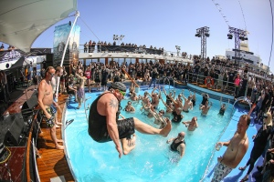 pool_full_metal_cruise
