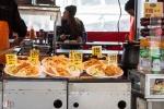 """Leckeres auf Bergens berühmten Fischmarkt """"Torget""""."""