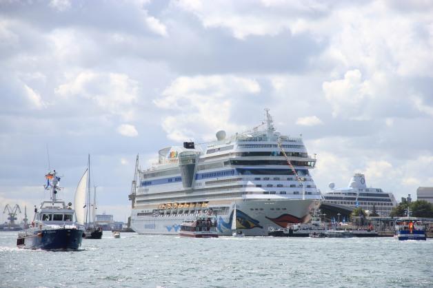 AIDA_Cruises_zur_Hanse_Sail