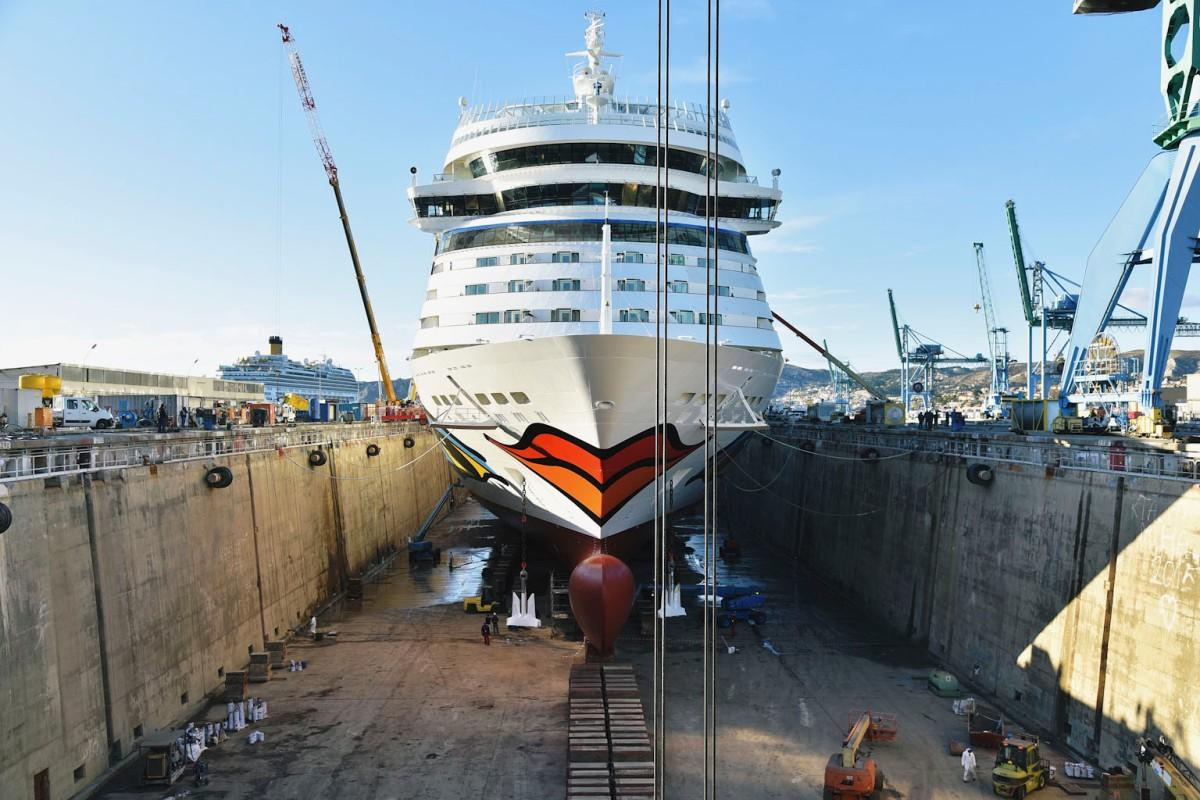 AIDAblu aus der Werft zurück, jetzt mit Langnese Station & ausserdem gab es den wichtigen Scrubber Einbau!